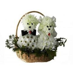 """Фигура из цветов """"Жених и невеста"""""""