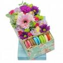 """Коробка с цветами """"Сладкая палитра"""""""