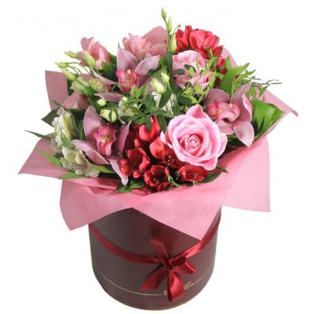 "Коробка с цветами ""Богиня Любви"""